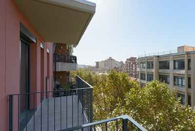 New apartment complex in Barcelona only 10 min from Plaça Espanya